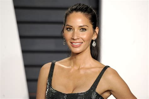 what is a n mun hairstyle olivia munn reveals her weight loss secret the 80 20