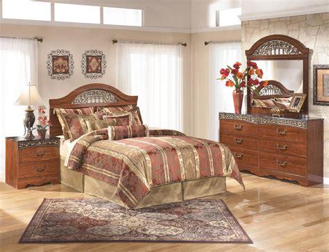 signature design  ashley fairbrooks estate queen bedroom