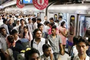 Mba In Delhi Metro by Mba Student Monika Khantwal Pickpocketing In Metro