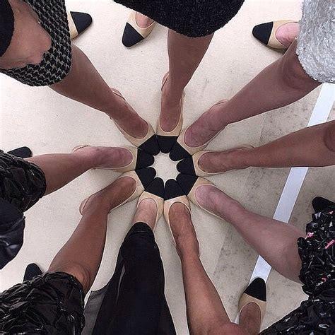 Sepatu Merk Chanel 10 trend fashion yang bikin cowok cewek terobsesi di tahun
