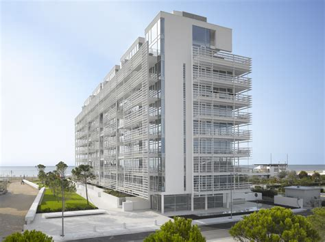 Design Apartment Jesolo | jesolo lido condominium richard meier partners