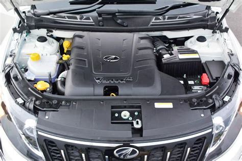 mahindra xuv 500 automatic diesel mahindra xuv500 automatic variant launched at rs 15 53 lakh