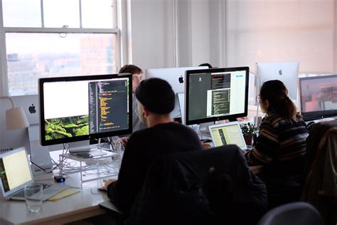 design engineer programs what do software engineers do