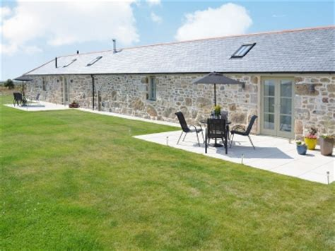 country cottages in west cornwall with