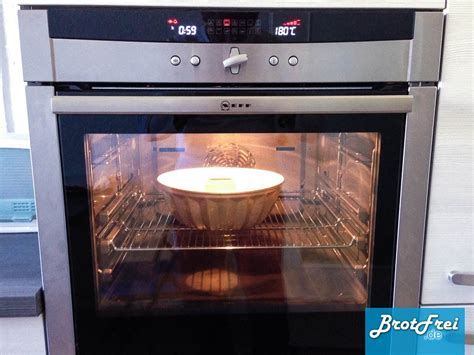 kuchen backofen anleitung und rezept f 252 r einen gugelhupf kuchen brotfrei