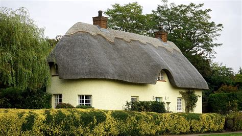 cottage inglese free photo cottage house home free image on