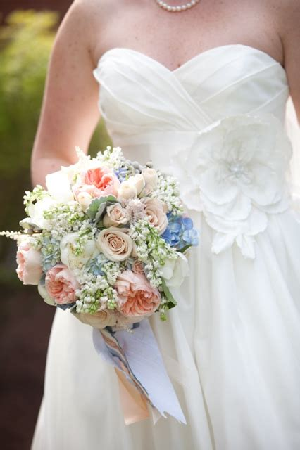 flower wedding prices what you should expect when buying flowers helpful when doing your budget weddings