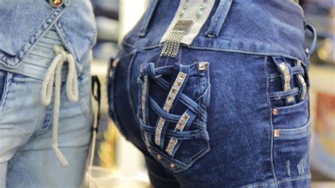 como decorar jeans con cloro el levanta cola el secreto del 233 xito de los jeans
