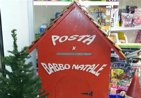 cassetta delle lettere di babbo natale la cassetta postale di babbo natale daino bianco