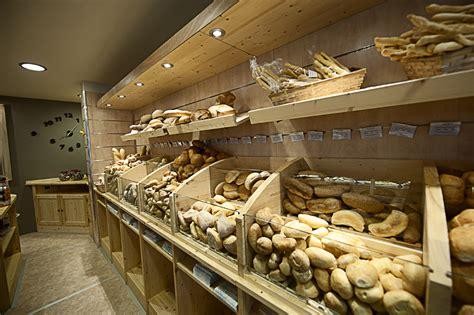 dispensa pane e particolare dispensa pane falegnameria avoledo