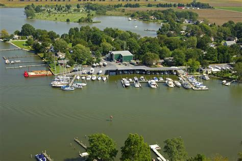 floating boatyard cbell s boatyard at jack s point slip dock mooring