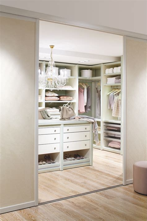 Walk In Closets Designs 100 stylish and exciting walk in closet design ideas digsdigs
