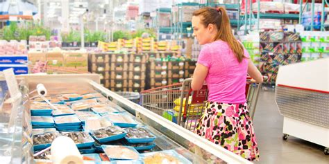 buy food money tips for shopping in bulk buying food in bulk can waste money