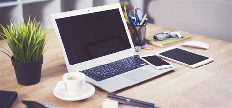 notebook schreibtisch schreibtisch laptop fotolia l 1920 arcerion consulting