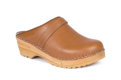 brown clogs for chef clogs in cognac brown leather troentorp clogs