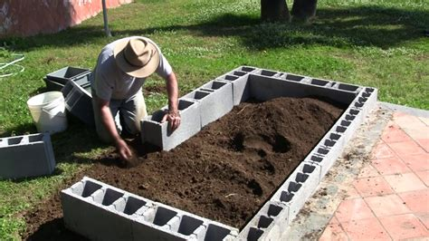 vermibag ep  making  raised bed garden  concrete