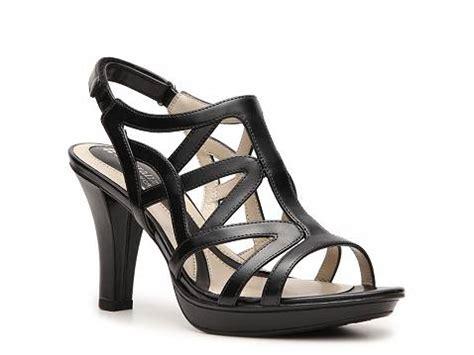 sandals at dsw naturalizer dayna sandal dsw