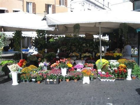 roma co dei fiori co dei fiori roma picture of co de fiori rome