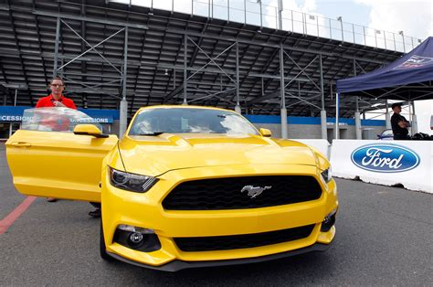 ford mustang 2015 2 3 ford mustang 2015 2 3 ecoboost primer acercamiento