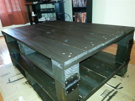 Homemade Coffee Table 2 Pallets 1 4x4 Some Door Hinges Stain Coffee Table