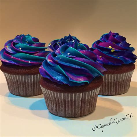 colorful cupcakes cupcakes multicolor icing colorful cupcakes colorful