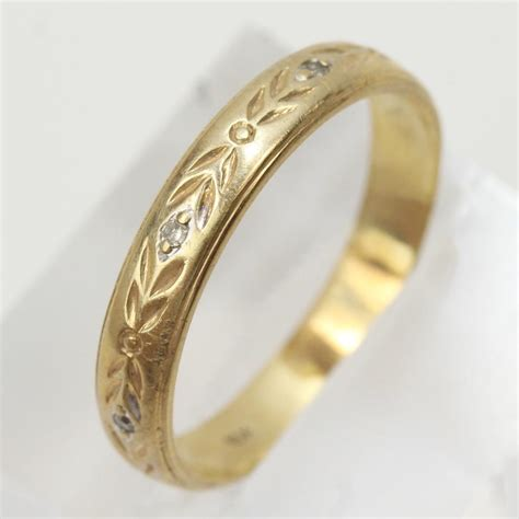 10kt gold 2 6g band ring property room
