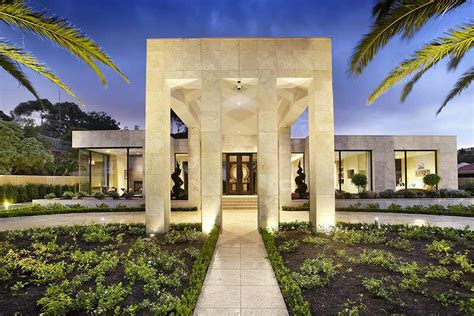 luxury home designers delight your senses with 16 of the best modern mansions