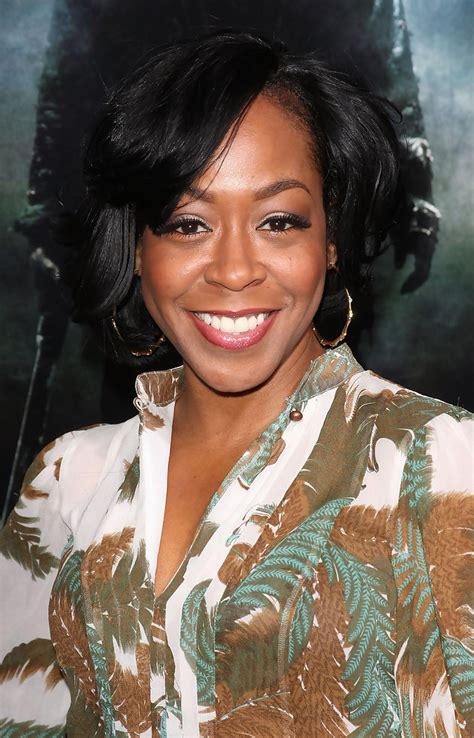 Tichina Arnold Hairstyles by Tichina Arnold Wavy Cut Hairstyles Lookbook