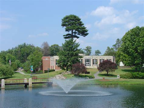 Endicott College Mba Ranking by Diane M Halle Library Endicott College Elizabeth B
