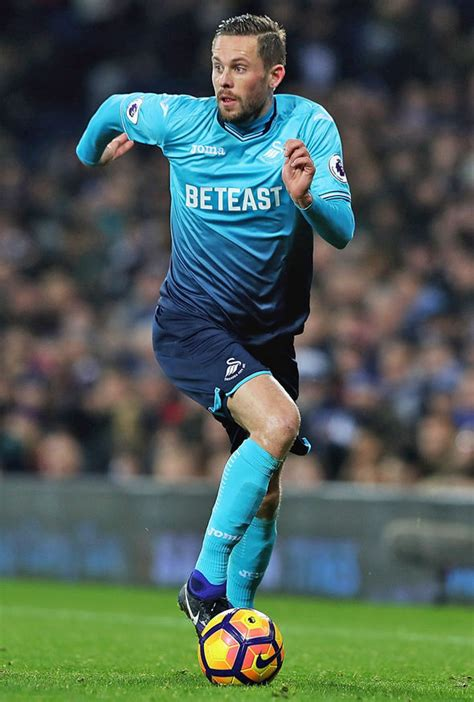swansea exclusive gylfi sigurdsson set for january exit