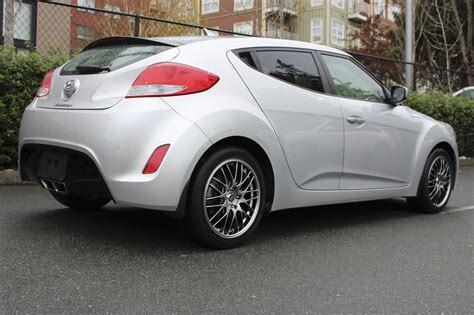 nissan veloster 2013 2013 hyundai veloster dct sporty 14 990 victoria