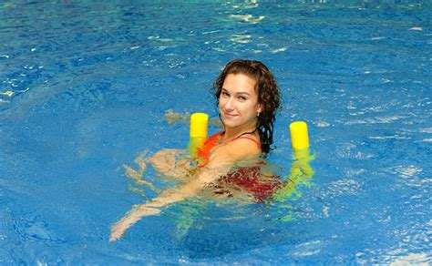 10 great swimming pool exercises to lose weight