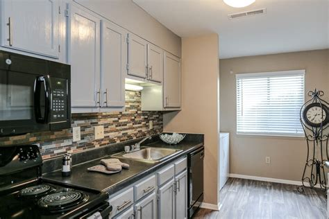 1 bedroom apartments in roanoke va the pines of roanoke rentals roanoke va apartments com