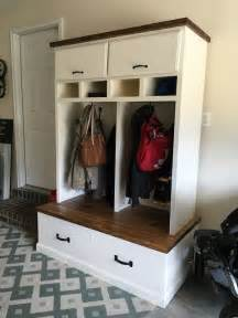 Mudroom Locker Plans Diy by Mudroom Lockers With Bench Free Diy Plans