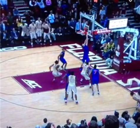 fsu student section watch florida loses to rival fsu after scoring own goal