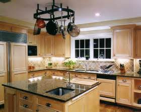 Kitchens With Light Maple Cabinets Natural Maple Cabinets Help