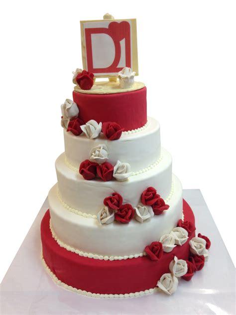 Hochzeitstorte Rot by Torte Rot Wei 223 Hochzeitstorten Caf 233 Conditorei