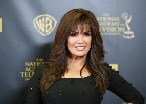 does marie osmond were a hair weav who is marie osmond get to know the talented singer and