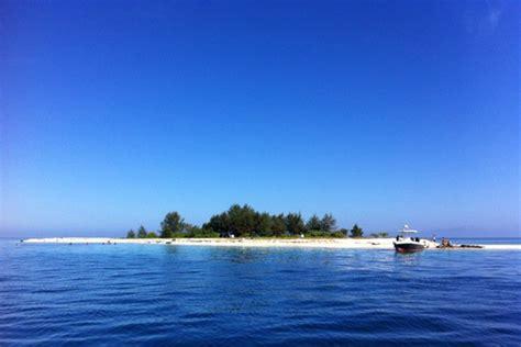 Jam Unik Bentuk Pulau Sulawesi Dari Kayu Kayu Hitam Langka kodingareng keke surga tersembunyi di sulawesi selatan hal hal aneh didunia ini