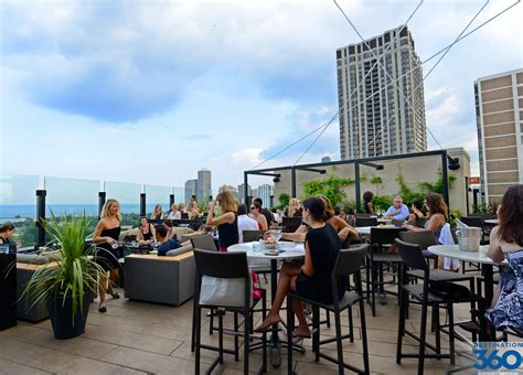 roof top bars in chicago best chicago hotel rooftop bars benbie