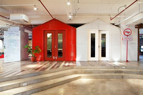 Design Milk Office | workspace that promotes collaboration and creativity