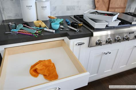 organizing kitchen drawers my organized kitchen and how to keep your kitchen clean