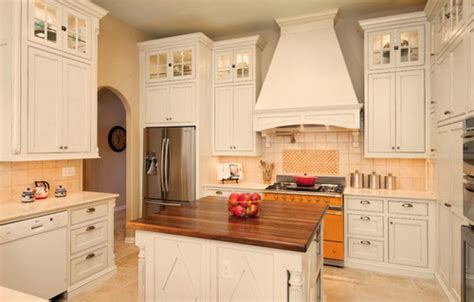 french style kitchen cabinets what you should to know about french country kitchen
