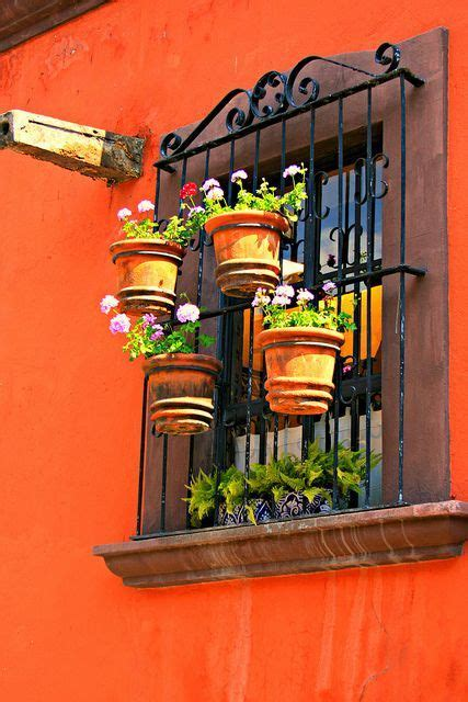 persianas san miguel de allende conozcamos este hogar mexicano y su dise 241 o vibrante y