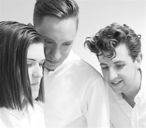 bidio xx the xx are in the studio working on their new album