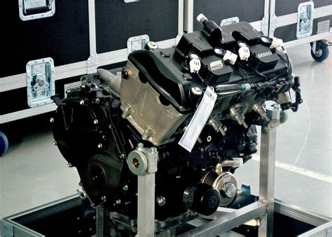 honda cbr engine building moto2 honda cbr race bike engines take a behind