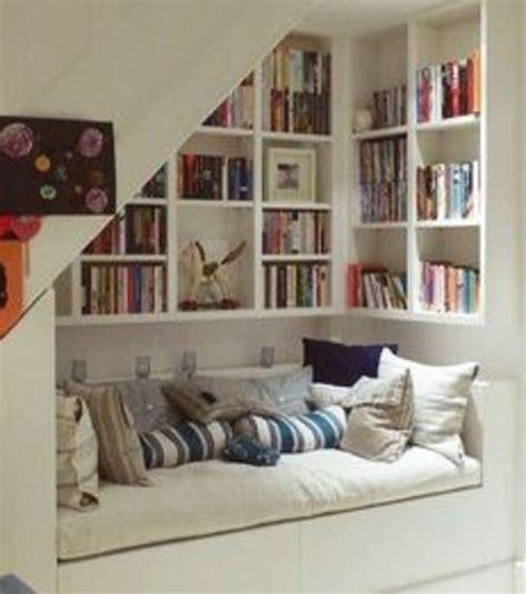 speisekammer unter der treppe die besten 25 regale unter treppen ideen auf