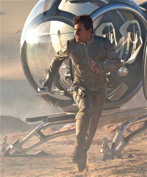 tom cruise film in space oblivion stars tom cruise and many unintelligible plot twists