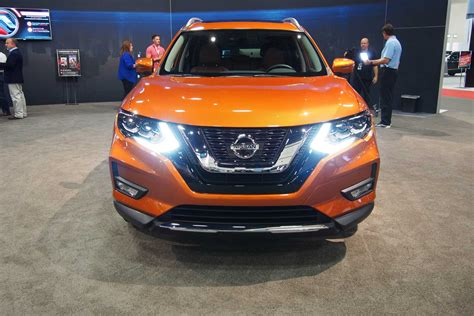 2017 nissan rogue exterior 2017 nissan rogue heads to dealers with 24 760 starting