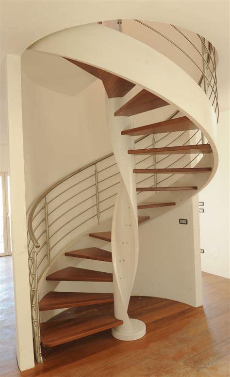 scale di legno per interni prezzi scale a chiocciola scale interne scale per interni scale